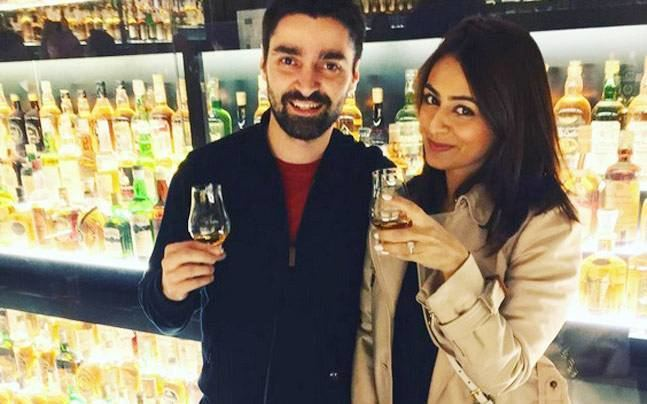 Deeya Chopra Left Right Left actress Deeya Chopra will soon tie the knot wedding