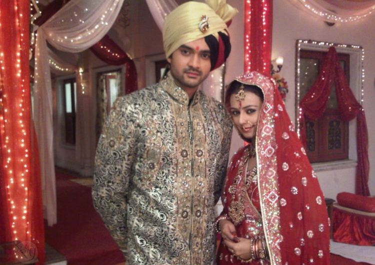 Deeya Chopra TV Actress Deeya Chopras Wedding Proposal By Her Boyfriend Ritchie
