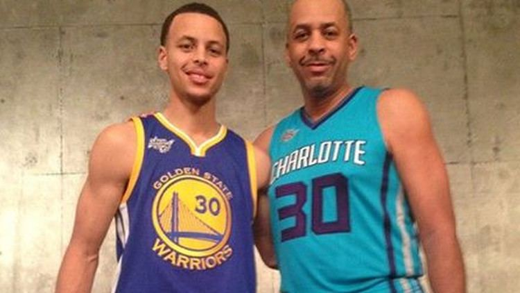 Dell Curry Stephen and Dell Curry pose for awesome family photo after