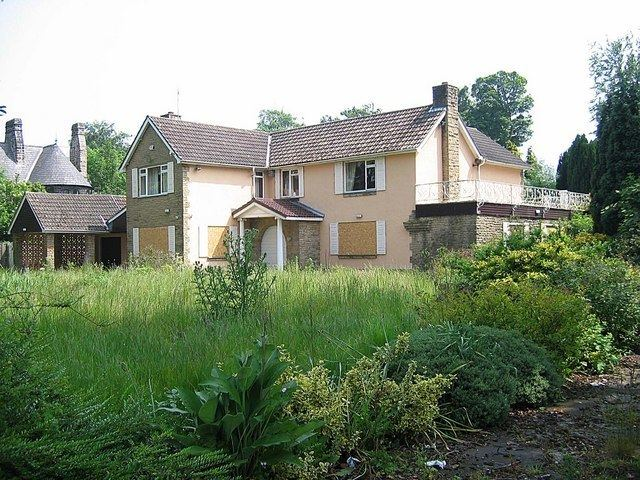 Demolition University movie scenes Beechcroft Broomside Lane County Durham location of Cliff Brumby s House awaiting demolition in 2007 Beechcroft stood derelict for many years and was