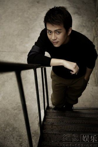 Deng Chao Deng Chao appears on the cover of quotFashion Weeklyquot