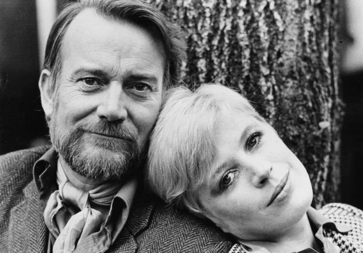 Denholm Elliott Celebrities Who Died of AIDS PressRoomVIP Part 7