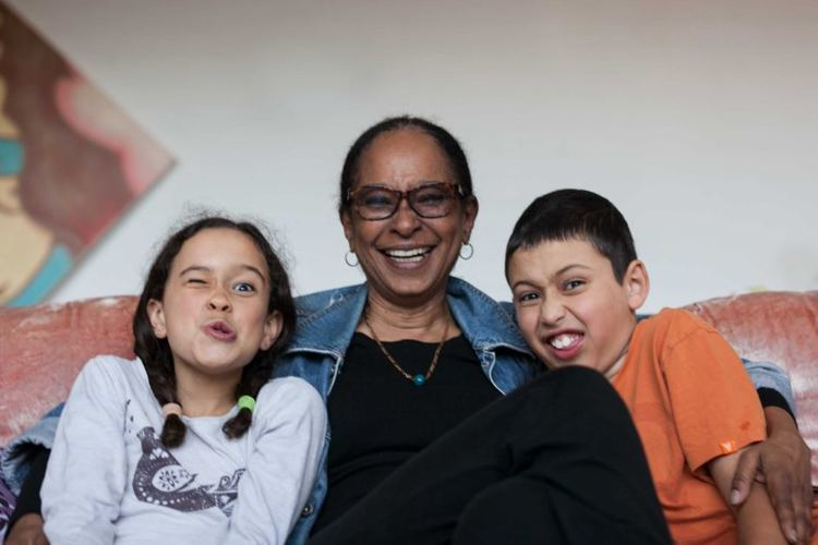 Deni Gordon Deni Gordon and her grandkids ABC News Australian Broadcasting