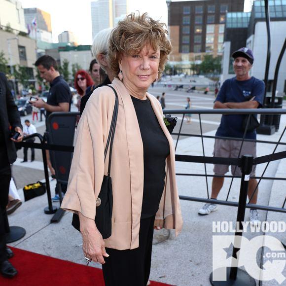 Denise Filiatrault Denise Filiatrault travaille lcriture de sa biographie