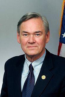 Dennis Moore httpsuploadwikimediaorgwikipediacommonsthu