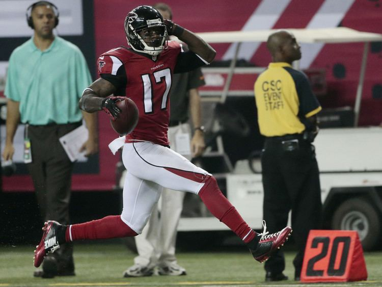 Devin Hester Devin Hester got a ridiculous penalty on his record