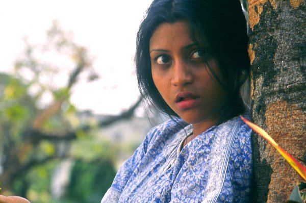 Devrai movie scenes Although the movie tries to capture the life of a Schizophrenic patient it misses something The story moves at a very slow pace