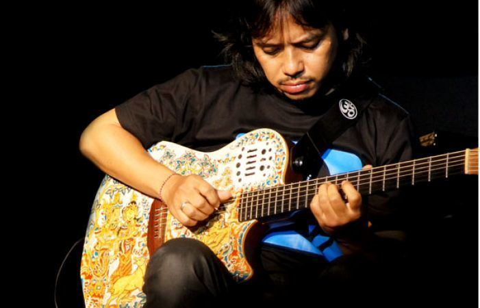Dewa Budjana Gigi guitarist Dewa Budjana started out playing in the pasar