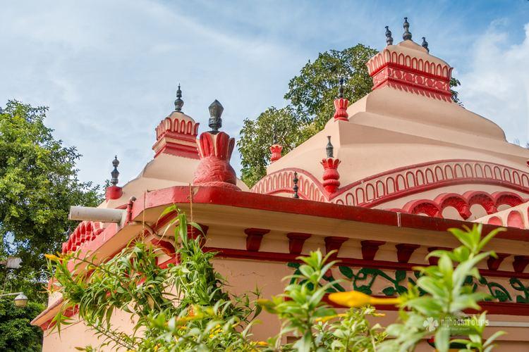 Dhakeshwari Temple Dhakeshwari Temple The center of Hindu religion in Dhaka