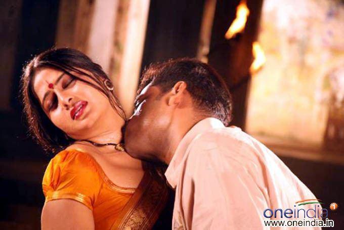 Dhanam (2008 film) movie scenes Dhanam
