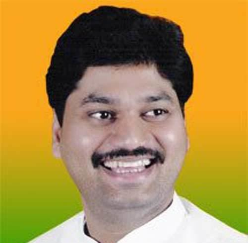 Dhananjay Munde Gopinath Munde39s nephew quits BJP joins NCP News