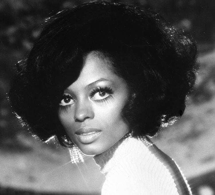 Diana Ross ThrowBackThursday Highlights Of Diana Ross39s Diva Style