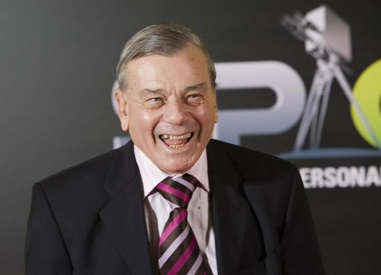 Dickie Bird audioBoom Tony Blackburn chats with cricket legend