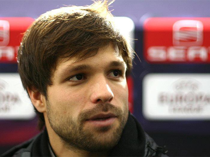Diego (footballer, born 1985) Diego Ribas da Cunha The Man whose name call Diego Pinterest Cunha