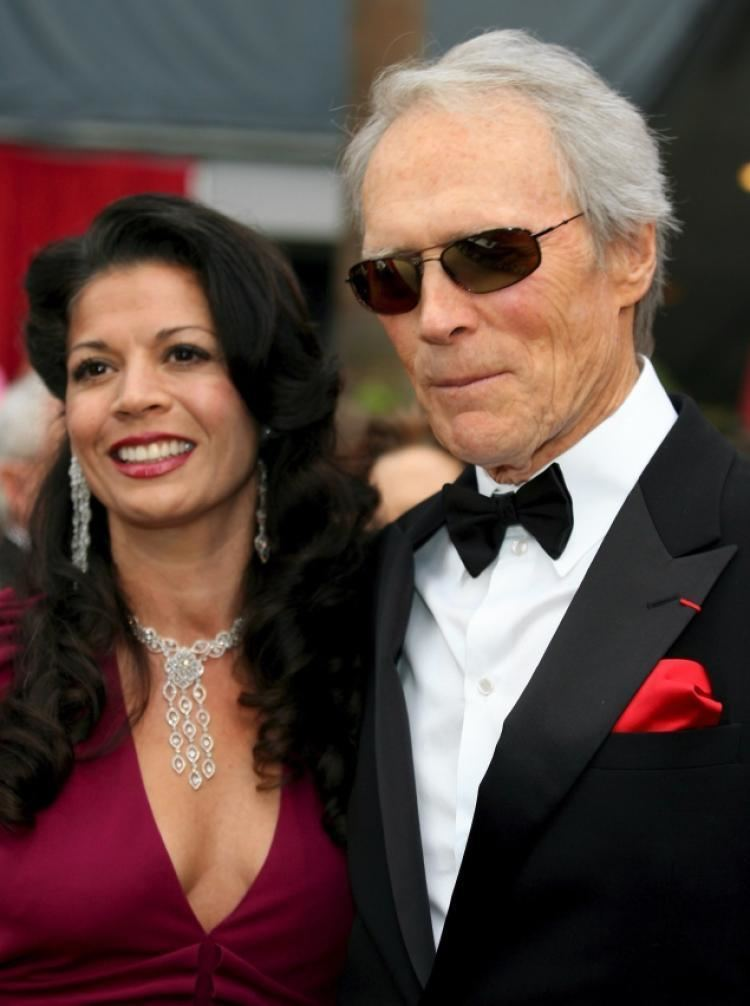 Dina Eastwood Clint Eastwoods wife comes to his defense amid split NY Daily News