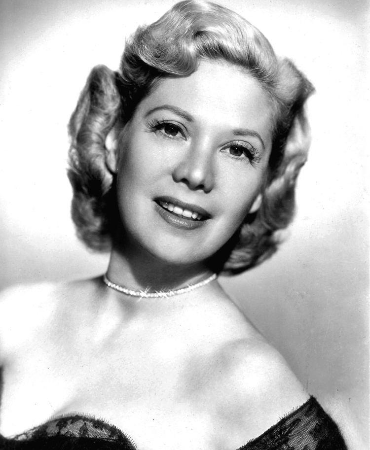 Dinah Shore httpsuploadwikimediaorgwikipediacommons44
