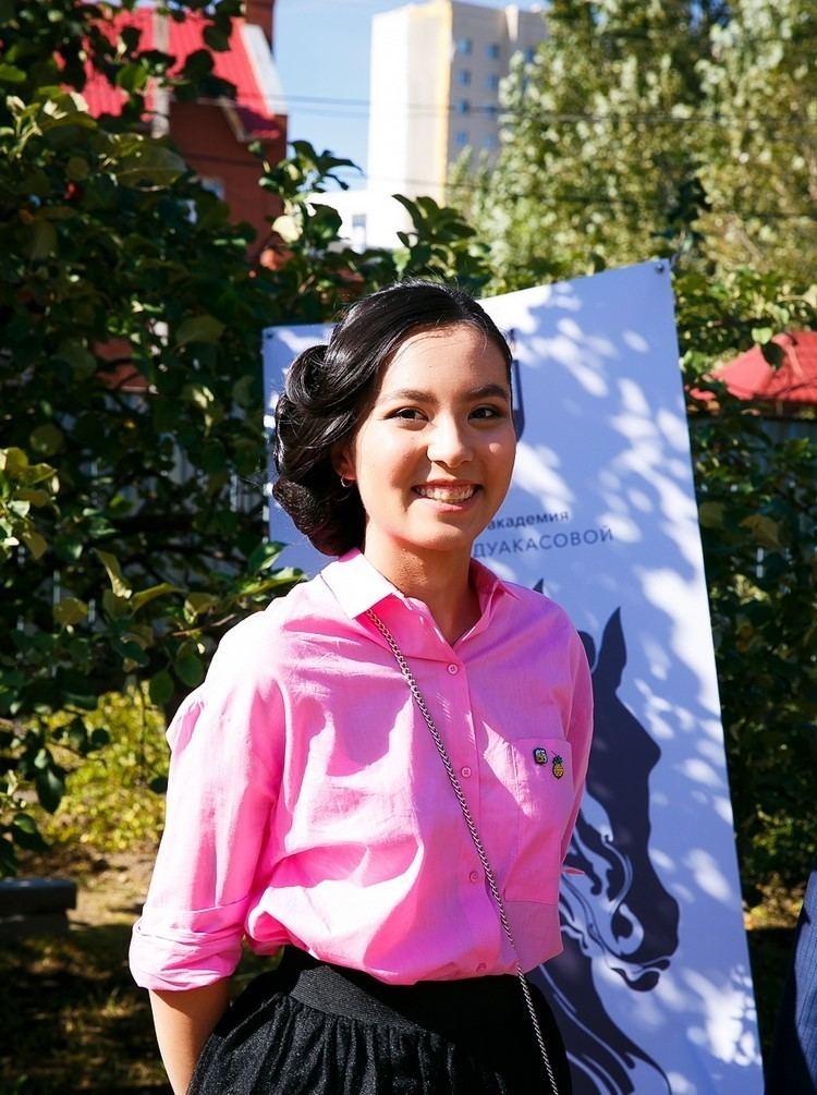 Dinara Saduakassova Kazakh Chess Champion Dinara Saduakassova Opens Academy in Astana