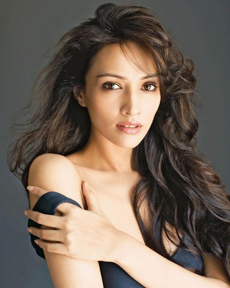 Dipannita Sharma Actress Dipannita Sharmas Beauty Fundas MagnaMags