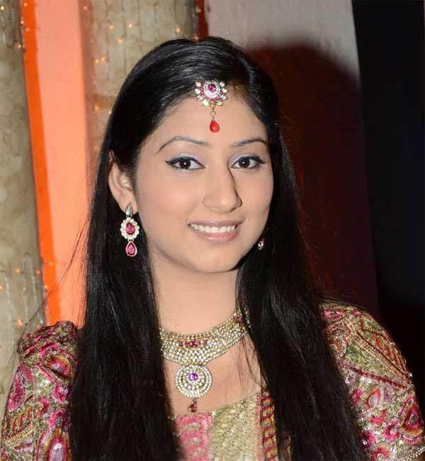 Disha Parmar Disha Parmar happy birthday Bollywood News amp Gossip