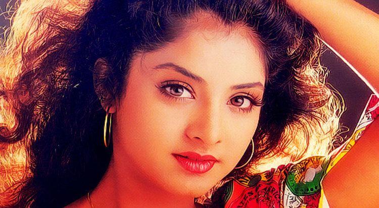 Divya Bharti Remembering Divya Bharthi And Her Untold Story