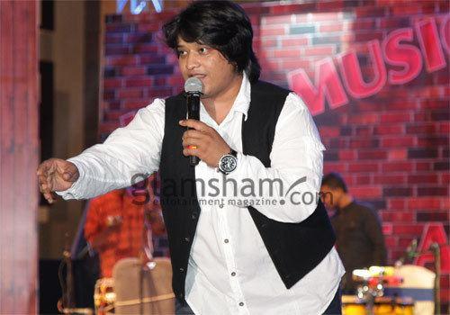 Divya Kumar (singer) Divya Kumar My biggest dream is to sing for Shahrukh Khan