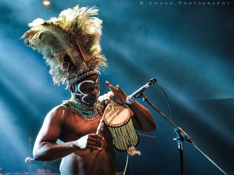 Dizu Plaatjies Dizu Plaatjies his heart beats pure African music on the world