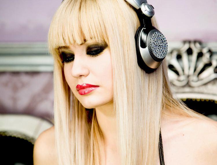 DJ Layla RADU SIRBU OFFICIAL SITE DJ LAYLA
