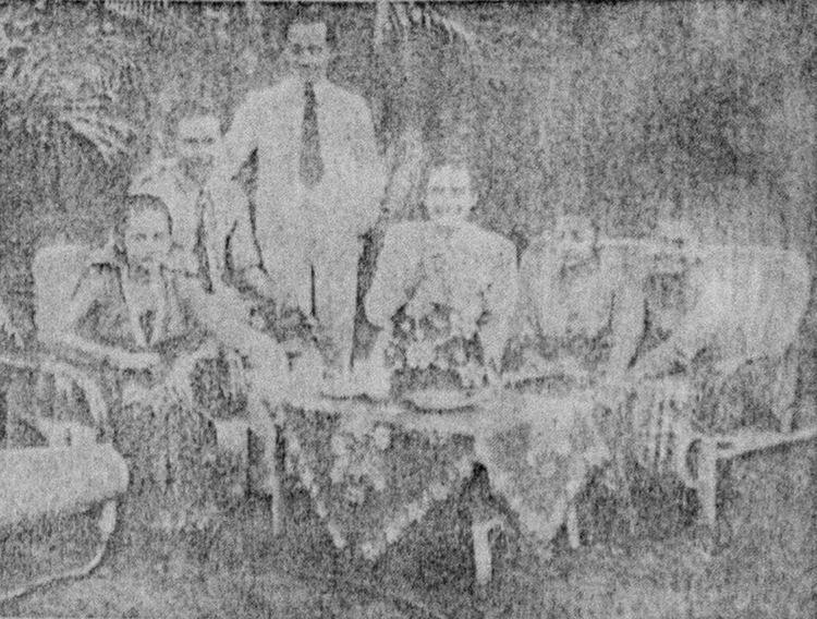 Djantoeng Hati movie scenes File Djantoeng Hati Cast Pertjatoeran Doenia Nov 1941 p45 jpg