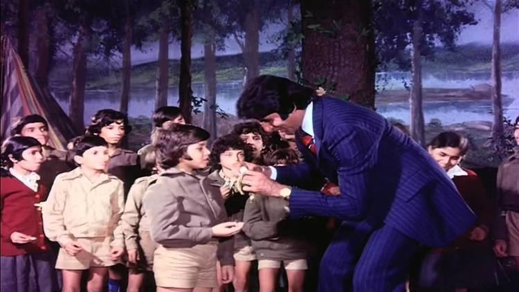 Do Aur Do PaanchAmitabh Shashi Kapoor YouTube