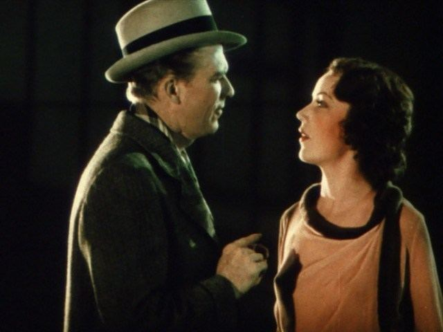 Doctor X (film) movie scenes Lee Tracy and Fay Wray meet cute