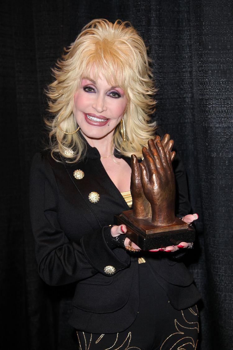 Dolly Parton Dolly Parton Wikipedia the free encyclopedia