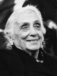 Dolores Ibárruri httpsuploadwikimediaorgwikipediacommonsthu