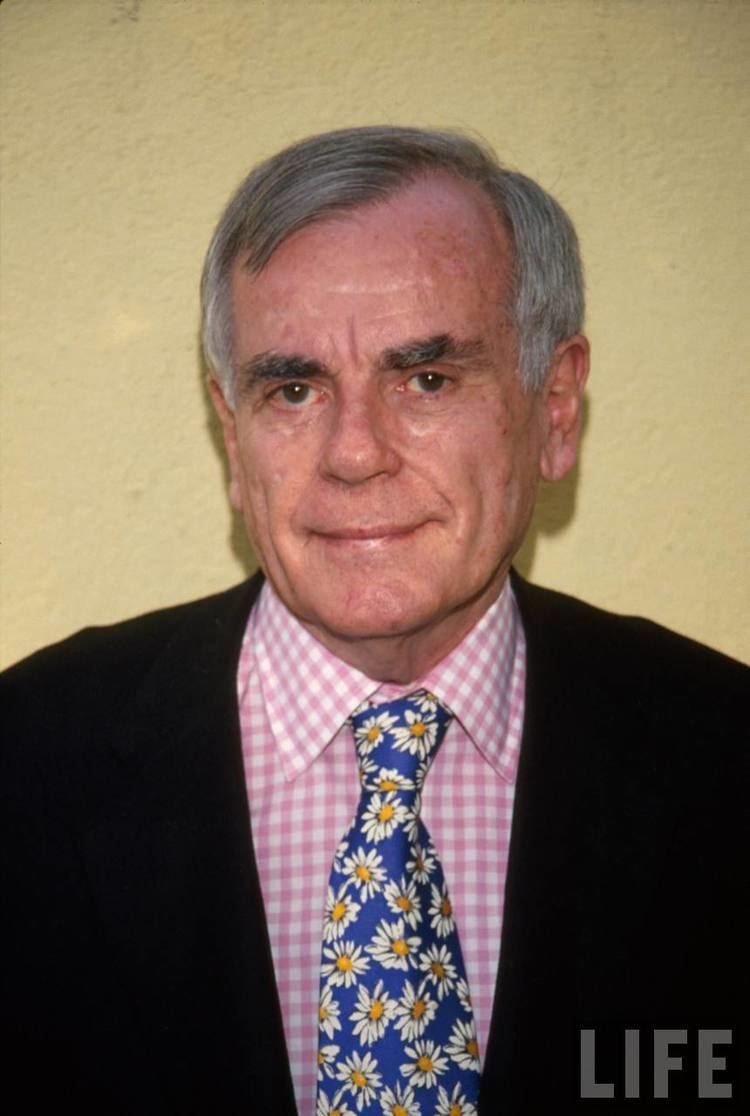 Dominick Dunne Dominick Dunne Books to the Ceiling