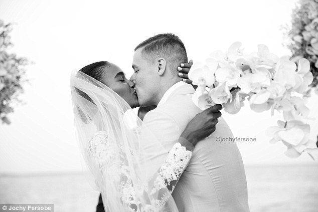 Donnie McGrath Victoria39s Secret model Arlenis Sosa marries Donnie