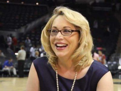 Doris Burke Point Gawd Doris Burke shows off her tight handles nba
