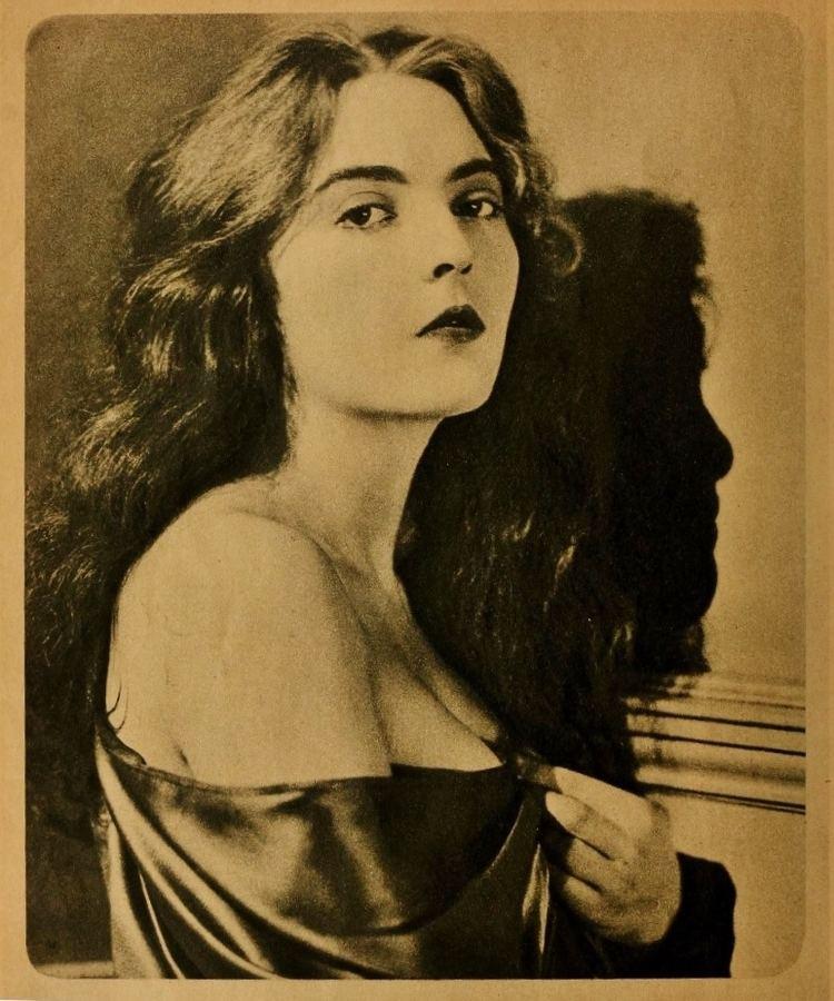 Dorothy Mackaill DOROTHY MACKAILL STAR EVOLUTION Part One 19201924 11