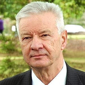 Doug Cameron (politician) d3n8a8pro7vhmxcloudfrontnetaustralianlaborparty