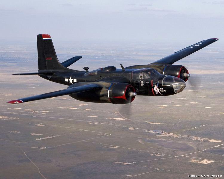 Douglas A-26 Invader httpssmediacacheak0pinimgcomoriginals8a