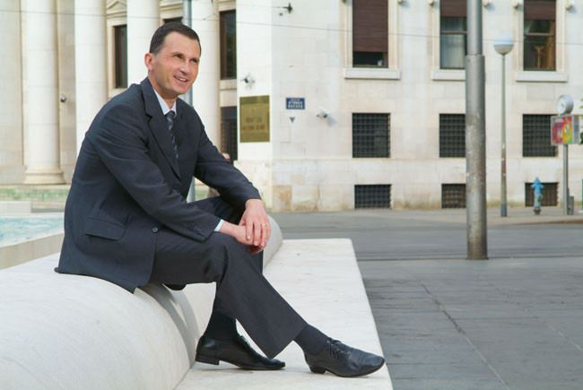 Dragan Primorac Odlazi sa Sanaderom Dragan Primorac podnio ostavku