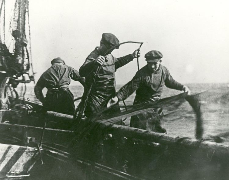 Drifters (1929 film) Drifters 1929 Toronto Film Society Toronto Film Society