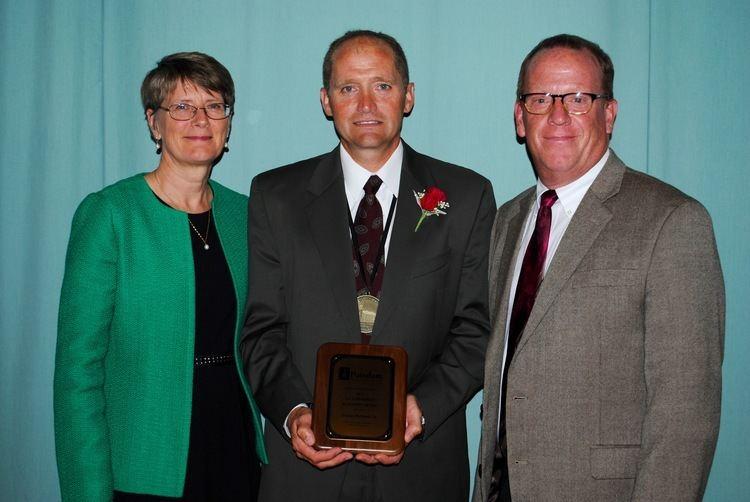 Duane Richards SUNY Potsdam Education Alumni Honor Duane Richards Jr 90 with 2015