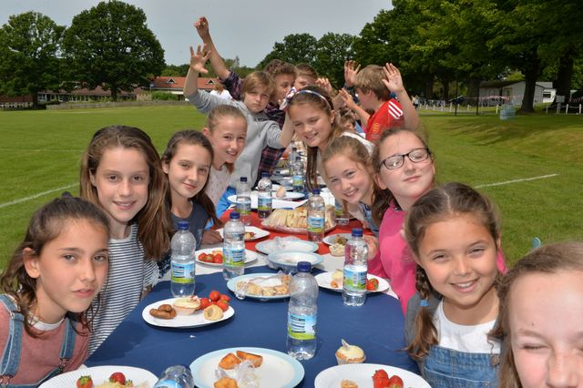 Dulwich Preparatory School Attain News Dulwich Prep Cranbrook invite The Queen to street party