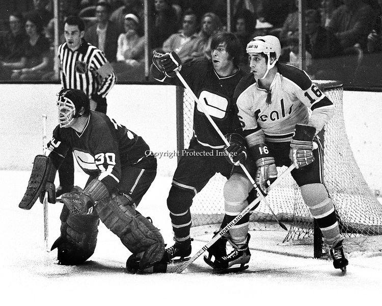 Dunc Wilson hockey71jpg Ron Riesterer Photography