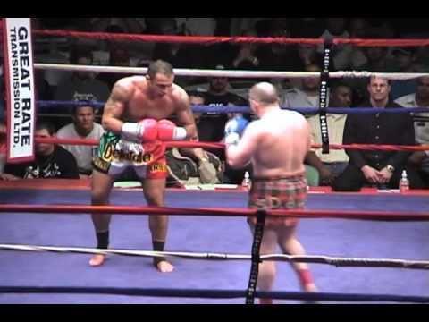 Duncan Airlie James Colosseum 2 Giuseppe DeNatale vs Duncan Airlie James YouTube