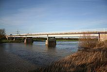 Dunham Bridge httpsuploadwikimediaorgwikipediacommonsthu