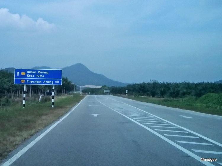 Durian Burung Midgee39s Simple Life A New Border Crossing Kota Putra Ban Prakob
