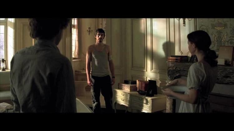 Dust (2009 film) httpsiytimgcomvibzmK2nhYjwmaxresdefaultjpg