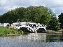 Dutton Horse Bridge httpsuploadwikimediaorgwikipediacommonsthu