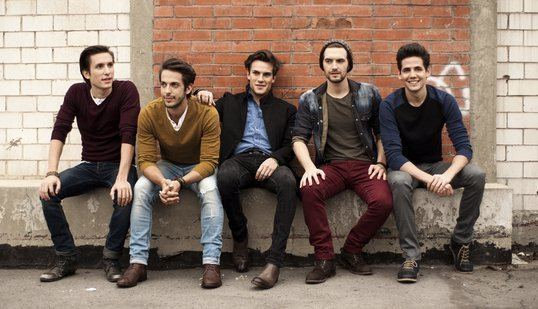 Dvicio Dvicio Lyrics Music News and Biography MetroLyrics