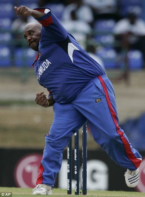 Dwayne Leverock (Cricketer) playing cricket